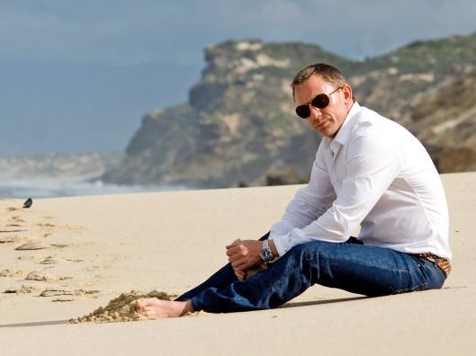 Daniel-Craig-Beach