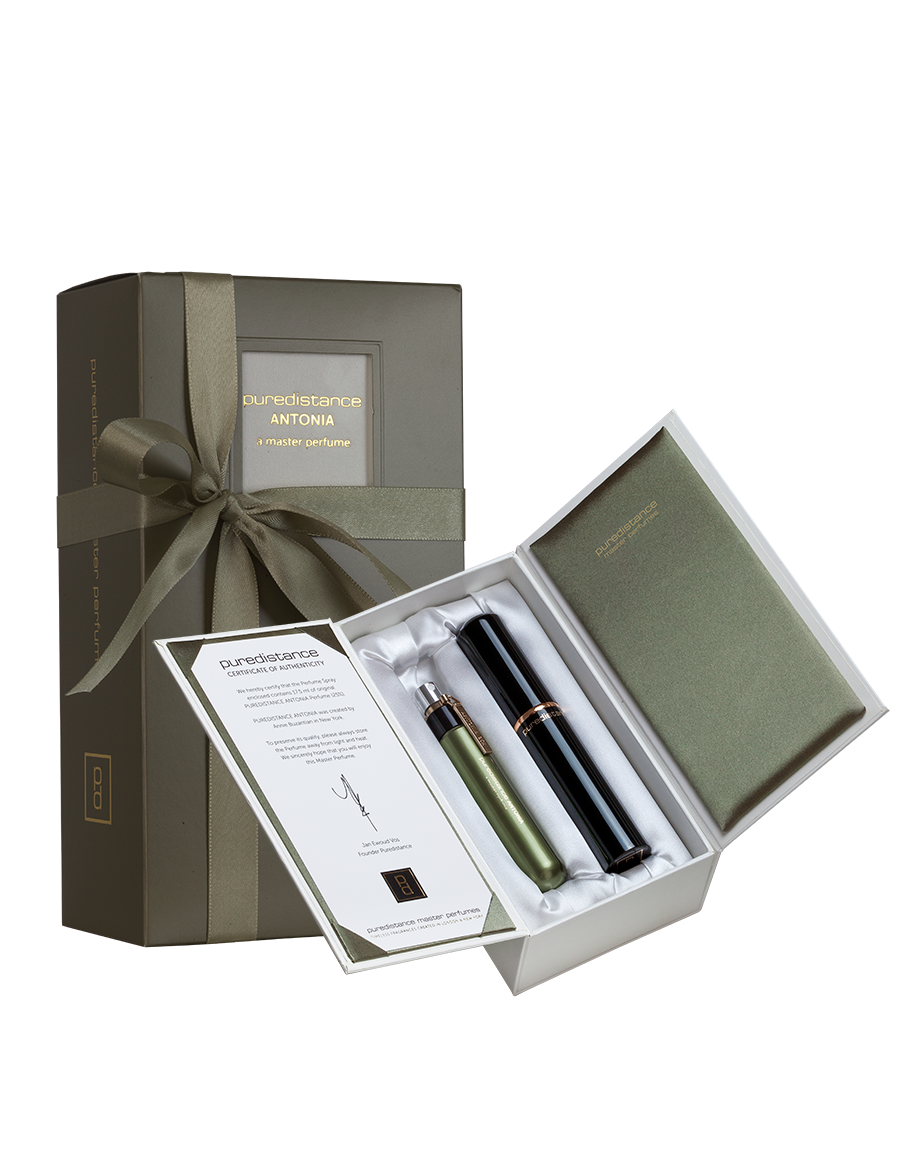 puredistance-Antonia-master-perfume-17.5ml-giftbox-st-02